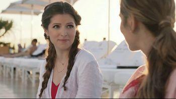 Hilton Hotels Worldwide TV Spot, 'Poolside' Featuring Anna Kendrick - Thumbnail 8