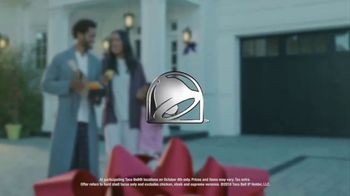 Taco Bell National Taco Day TV Spot, 'The Gift of the Season' - Thumbnail 6