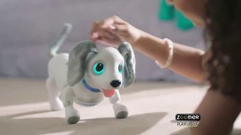 Zoomer Playful Pup TV Spot, 'He Moves & Sounds Just Like a Real Dog!' - Thumbnail 3