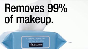 Neutrogena Makeup Remover Cleansing Towelettes TV Spot, 'Kerry Washington Conquers Glitter' - Thumbnail 8
