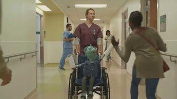 Bright Health TV Spot, 'Hall of High Fives' - Thumbnail 8