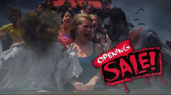 Six Flags Fright Fest Opening Sale TV Spot, 'Fright Fest: Save 40' - Thumbnail 7