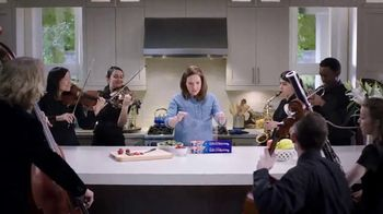 Reynolds KITCHENS Quick Cut Plastic Wrap TV Spot, 'Tiniest Victory' - Thumbnail 9