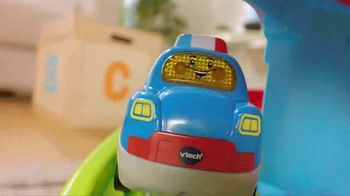 Go! Go! Smart Wheels Launch & Chase Police Tower TV Spot, 'Help Po Patrol the Town' - Thumbnail 3