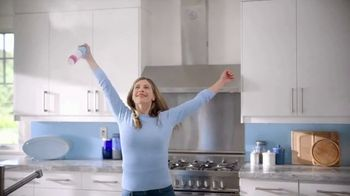 Febreze Air Effects TV Spot, 'Otra vez' [Spanish] - Thumbnail 4
