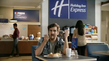 Holiday Inn Express Annual Sale TV Spot, 'Be The Readiest' - Thumbnail 5