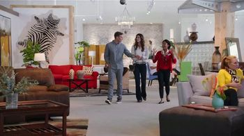 Rooms to Go Holiday Sale TV Spot, 'Getting the Picture' - Thumbnail 2