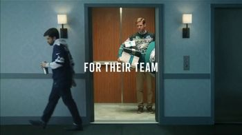 NFL Shop TV Spot, 'Elevator: Special Offer' - Thumbnail 7