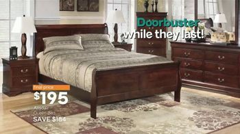 Ashley HomeStore Black Friday TV Spot, 'Sofas, Sectionals, and Queen Beds' Song by Midnight Riot - Thumbnail 9