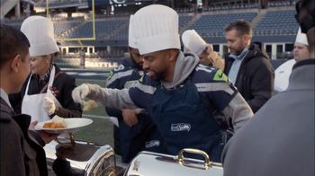 USAA TV Spot, 'NFL Salute to Service: Seahawks Thanksgiving' - Thumbnail 6