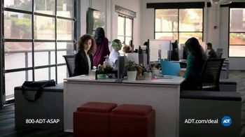 ADT Black Friday Exclusive TV Spot, 'Delivery: $49 Starter Kit' - Thumbnail 3