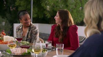 Google Home Hub TV Spot, 'Amy Poehler Is Thankful' Ft. Tiffany Haddish, Maya Rudolph, Amy Sedaris - Thumbnail 5