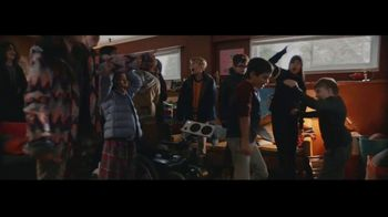 Microsoft TV Spot, 'Holiday: Reindeer Games' - Thumbnail 10