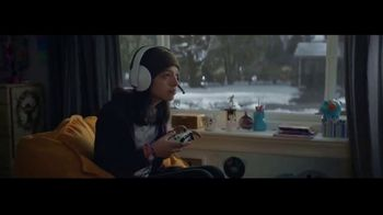 Microsoft TV Spot, 'Holiday: Reindeer Games' - Thumbnail 4