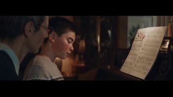 Microsoft TV Spot, 'Holiday: Reindeer Games' - Thumbnail 5