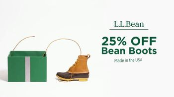 L.L. Bean Black Friday Sale TV Spot, '2018 Holidays: Bean Boots' - Thumbnail 4
