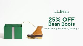 L.L. Bean Black Friday Sale TV Spot, '2018 Holidays: Bean Boots' - Thumbnail 5