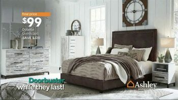 Ashley HomeStore Black Friday TV Spot, 'Reclining Sofa, Sofa Set and Queen Bed' Song by Midnight Riot - Thumbnail 8