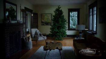 L.L. Bean Boots TV Spot, 'Holiday: 25 Percent Off' - Thumbnail 3