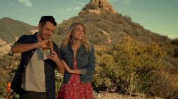Taco Bell Rolled Chicken Tacos TV Spot, 'Sunset Heart Hands' - Thumbnail 4