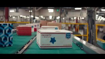 USPS TV Spot, 'Close-Knit Delivery' [Spanish] - Thumbnail 7