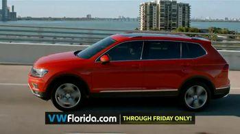 Volkswagen Better Year-End Clearance TV Spot, '2018 Black Friday: Tiguan' [T2] - Thumbnail 4