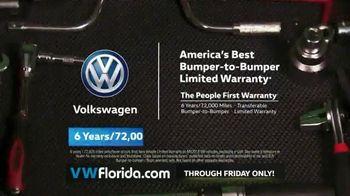 Volkswagen Better Year-End Clearance TV Spot, '2018 Black Friday: Tiguan' [T2] - Thumbnail 8