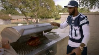 Ford TV Spot, 'The Dallas Cowboys: Thanksgiving With Families' Featuring Michael Gallup, Allen Hurns, Tavon Austin [T1] - Thumbnail 8