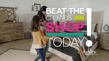 Ashley HomeStore Black Friday Sale TV Spot, 'Going on Now: Queen Beds and Sofas' Song by Midnight Riot - Thumbnail 4