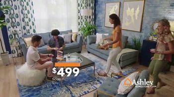 Ashley HomeStore Black Friday Sale TV Spot, 'Going on Now: Queen Beds and Sofas' Song by Midnight Riot - Thumbnail 6