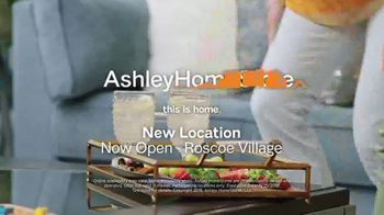 Ashley HomeStore Black Friday Sale TV Spot, 'Going on Now: Queen Beds and Sofas' Song by Midnight Riot - Thumbnail 9