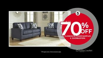 Ashley HomeStore Outlet Black Friday Sale TV Spot, 'Six Incredible Offers' - Thumbnail 5