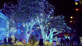Six Flags Cyber Sale TV Spot, 'Holiday in the Park' - Thumbnail 3