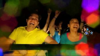 Six Flags Cyber Sale TV Spot, 'Holiday in the Park' - Thumbnail 4