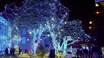 Six Flags Cyber Sale TV Spot, 'Holiday in the Park: 65 Percent Off' - Thumbnail 3