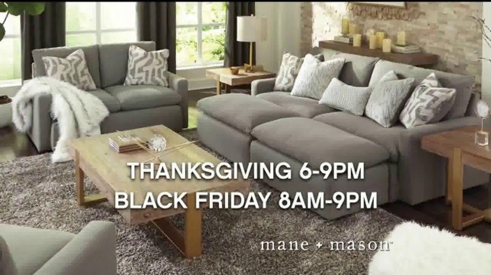 Ashley HomeStore Black Friday Main Event TV Commercial, 'Fanatics Card'