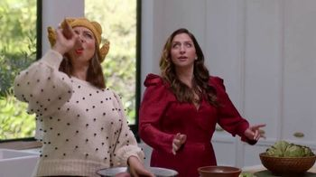 Google Home Hub TV Spot, 'Turn It up This Thanksgiving' Ft. Amy Poehler, Chelsea Peretti, Maya Rudolph - Thumbnail 9