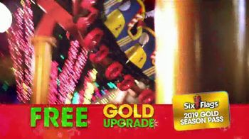 Six Flags Cyber Sale TV Spot, 'Holiday in the Park: Gold Upgrade' - Thumbnail 9