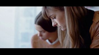 Bank of America TV Spot, 'The Power to Make a Difference' Featuring Matt Damon, Ken Burns, Tory Burch - Thumbnail 5
