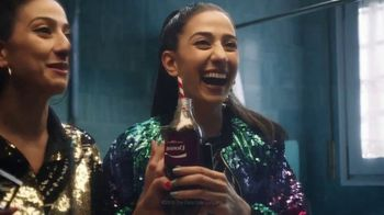 Coca-Cola TV Spot, 'Donna Shares With Diane' - Thumbnail 6