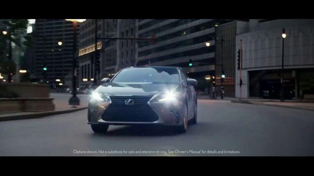 2018 Lexus ES TV Commercial, 'Amazing Machine' [T2]