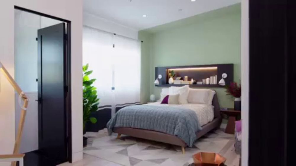 Wayfair TV Commercial, 'Brother vs. Brother: Master Bedrooms'