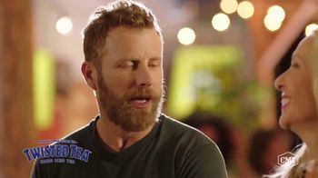 Twisted Tea TV Spot, 'CMT: Backyard Lounge' Featuring Dierks Bentley - Thumbnail 6
