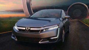 2018 Honda Clarity Plug-in Hybrid TV Spot, 'Beyond the Battery' [T1] - Thumbnail 10