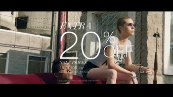 Macy's Summer Sale TV Spot, 'Remarkable' Song by Brenton Wood - Thumbnail 4