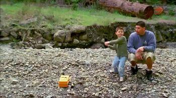 Bass Pro Shops Gone Fishing Event TV Spot, 'Earthworm: T-Shirts & Coolers' - Thumbnail 3