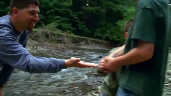 Bass Pro Shops Gone Fishing Event TV Spot, 'Earthworm: T-Shirts & Coolers' - Thumbnail 4
