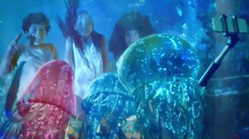 Capri Sun Roarin' Waters TV Spot, 'Aquarium' - Thumbnail 9