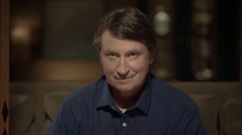 Hulu TV Spot, '2018 Stanley Cup Final: Game 3' Featuring Wayne Gretzky - Thumbnail 4