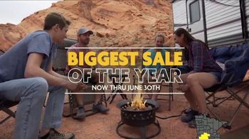 Camping World Biggest Sale of the Year TV Spot, 'Camp in Style' - Thumbnail 9